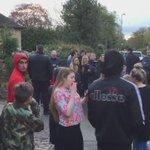 Hay gente en las afueras de la casa de Vardy esperando poder celebrar el título allí (Vía @F6li23) https://t.co/38CmMnntUF