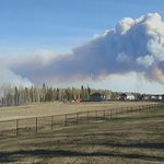 More of your #YMM video, shot last night as wildfire approached the city. Read more: https://t.co/MsyZYJEHLD https://t.co/5x3KLgKDeR