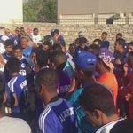 جمهور الزعيم يتغنى بالهلال قبل اللقاء بساعات امام البوابة 💙 #اهلا_بالهلال_في_عمان #زعماء_عمان https://t.co/5zQ4byayfN