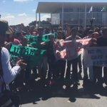#ChamaOlimpica causa protestos contra o impeachment da presidente Dilma https://t.co/FY3cYOcrXg