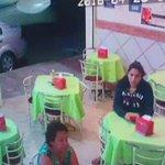 Joven esperaba su cena en un negocio de comida en la Col. Atasta cuando un individuo le arrebato su celular #Tabasco https://t.co/RadEXuNVr5