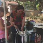 Todos los días se aprende algo nuevo. Hoy, aprendí a hacer memelas. #Oaxaca https://t.co/Qtrxa44QGM