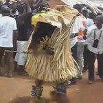 La danse Goly qui est notamment dansé par les Baoulé de Béoumi qui lont importé de leurs voisins Ouan. https://t.co/a6cCDVDyYE