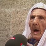 110 yaşındaki filistinli nine, TRT muhabirini ısırmaya çalışarak zombiliğe geçiş yapalı birkaç gün oldu. https://t.co/2vA1K2Nqig
