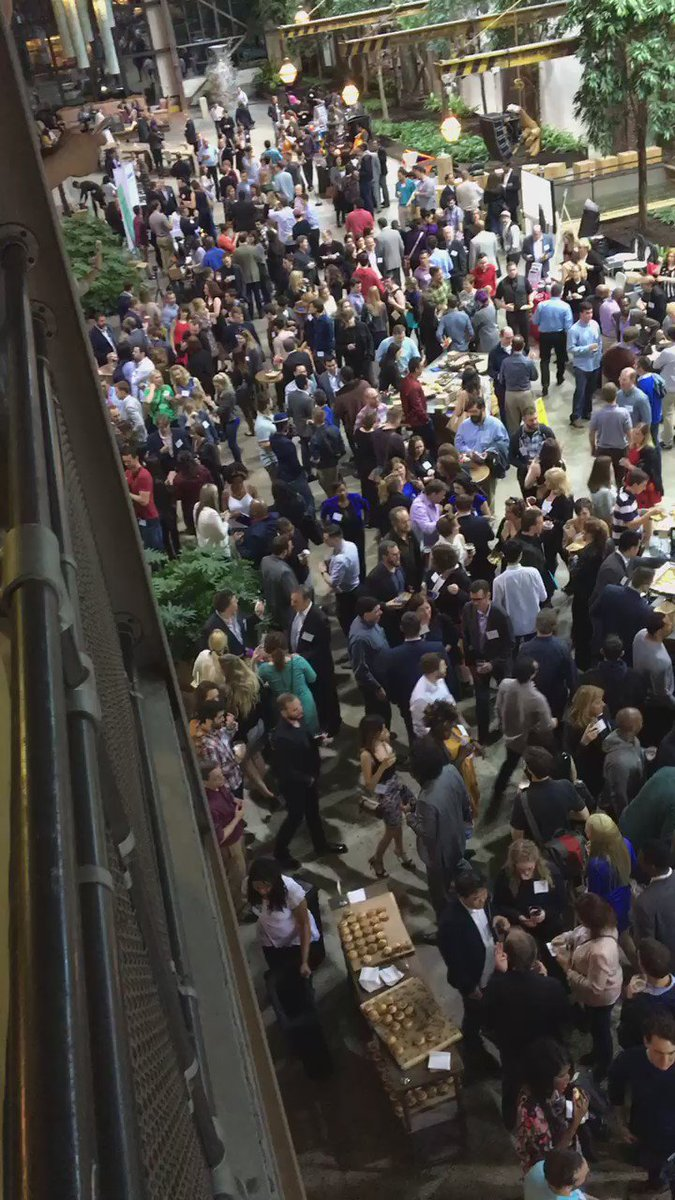 Gosh, that's quite a crowd for @PhillyTechWeek closing Signature Event! #PTW16 https://t.co/rxGfCQsg1d