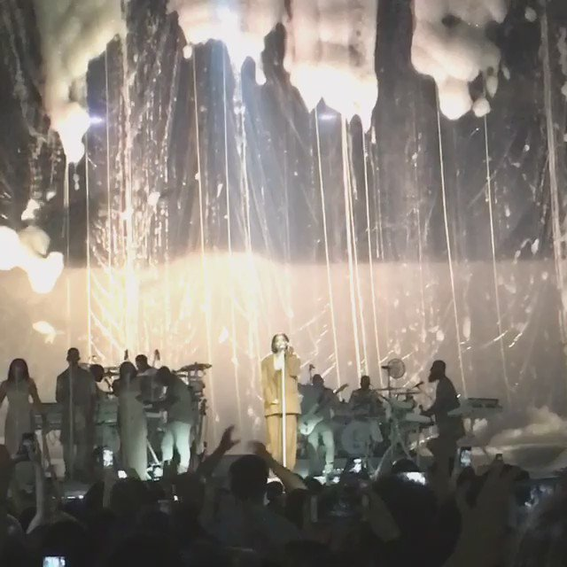 Amazing concert.. She was just flawless RT @OracleArena: THANK YOU @rihanna! #ANTIWorldTour https://t.co/U4O5tzf3c4