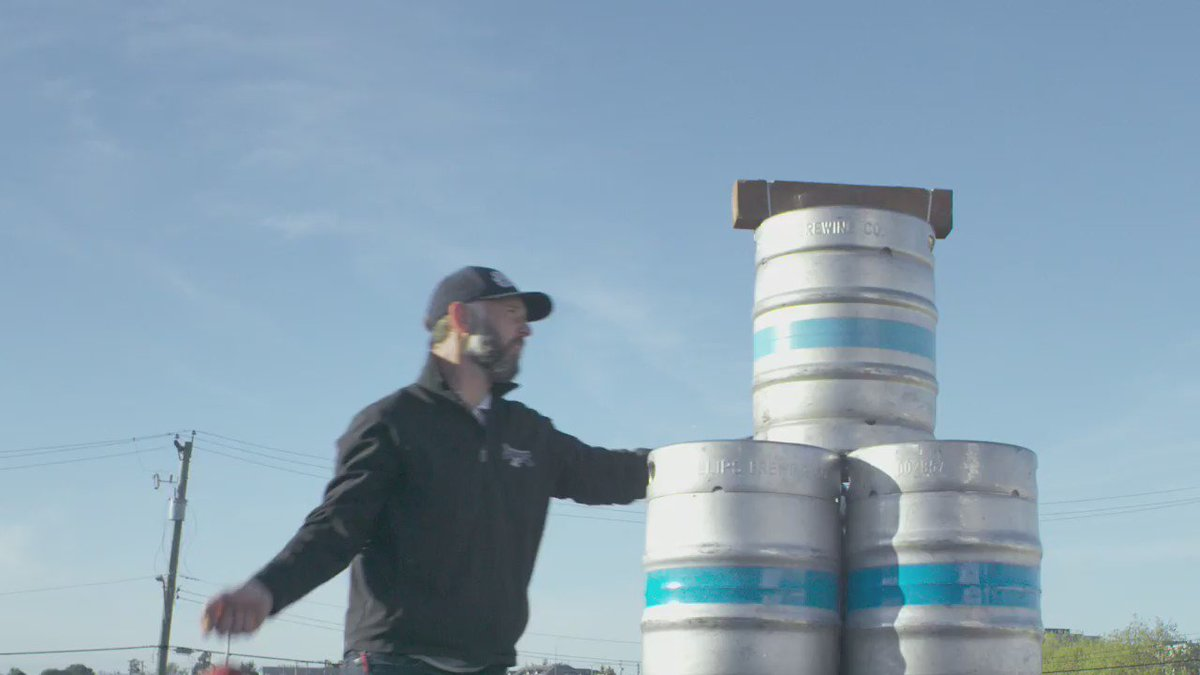 We are going to deliver our Phillips Pilsner by bird. https://t.co/6BRscK8JvV to learn more #beerfromabird https://t.co/wtTs6UvXk4