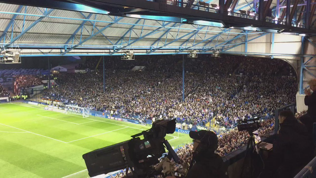 Remember it was loud against Cardiff? This is louder ...Carlos had a dream #swfc #starlive https://t.co/RnKw0mh0JW