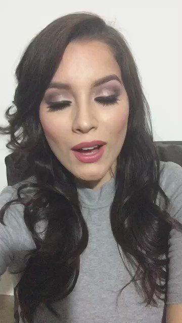 Gracias a Maria Alejandra actual Miss Mundo Colombia por el apoyo a Barby! #Colombia