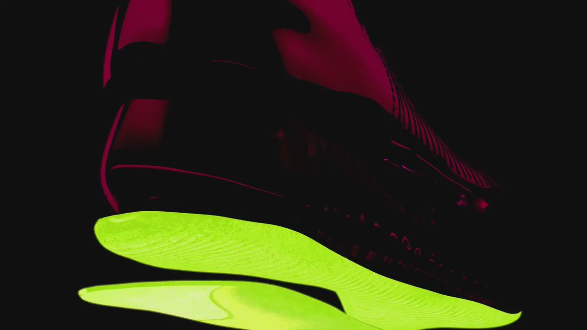 Nike unveil the fastest boot in football. Get the Spark Brilliance Mercurial V Superfly instore/online from June 2nd https://t.co/7C1Z6IAC2g