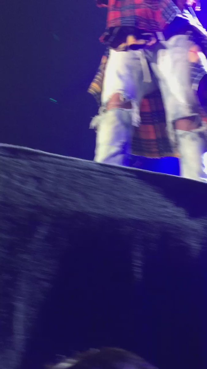 Justin performing As Long As You Love Me tonight. He was so close