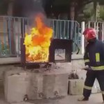 مهم.. ان حدث حريق وليس بحوزتك مطفأة حريق، يمكنك تحويل علبة الكاكولا الى مطفأة حريق. انشرها https://t.co/IZv7Sp8TFM