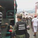 Así se reprime a un pueblo hambriento #VENEZUELA #NoHayMasTiempoSalidaYa @Almagro_OEA2015 @ONU_es @BarackObama https://t.co/UR6CbDYhhg