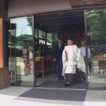 PM @JustinTrudeau & wife Sophie Gregoire stop to say hello to Cdns at Meiji Shrine in Tokyo #cdnpoli #hw https://t.co/O4wdojRNNy
