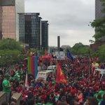 #manif24mai - Déjà des milliers de manifestants sur place à Bruxelles Nord https://t.co/x8SlD2T782