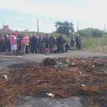 Malgré les rumeurs dintervention des Gendarmes, le blocage du dépôt de carburant de #Donges se poursuit https://t.co/7XxFXJFIFn
