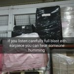 Listen with earpiece, full blast and you can hear someone humming https://t.co/bxhEGYNTNn