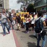 "EN VIDEO - Opositores se movilizan contra Maduro: ""Tibisay Lucena, lo juro, revocamos a Maduro"" https://t.co/inSeEB6gEc"
