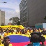 """#25M """"Lucena, lo juro, revocamos a Maduro"""" es otra de las consignas de los manifestantes - vía @LunaPerdomo https://t.co/h39s0DHVYJ"""