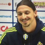 Ibrahimovic grins when asked about a Man United offer. https://t.co/6VUNVbKBLb