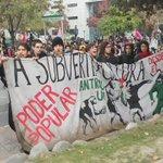 ESTE ES EL AMBIENTE que se vive en Parque Bustamante entre estudiantes y Carabineros11:58 Imágenes sin editar https://t.co/jXiwFTkWpl