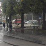 Continúan enfrentamientos en plaza Victoria con enfrentamientos entre secundarios y FFEE @sitiodelsuceso @55_david https://t.co/WNmo1bf8he