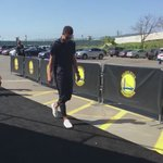 Steph looking like his mom forgot to pick him up from school. https://t.co/r7lWuOEkeK