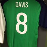 WATCH | See the walk Captain @StevenDavis8 will make as he leads out Northern Ireland tonight! 🙌🏻 #DareToDream #GAWA https://t.co/GRQTMJ9YfD