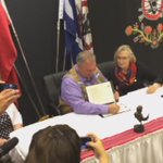 Historic Day for #Metis as Pres. Chartrand and Min. @Carolyn_Bennett sign MOU on first steps toward reconciliation https://t.co/mj94Ofl4aa