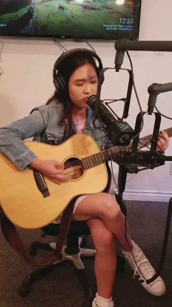 .@hellomeganlee on with us tonight @dash_radio #feelgoodsound 9pm! https://t.co/zVk6YRxKoJ