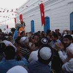 #تونس #التوانسة اليهود يرددون النشيد الوطني التونسي في #الغريبة #جربة و #تحيا_تونس❤ #تونس_المزيانة #توانسة  #Tunisia https://t.co/7F2tazhLxg