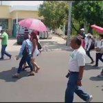 Avanza marcha de estudiantes sobre Av Central Ote con dirección al centro de #Tuxtla https://t.co/BbBYcsK0e3