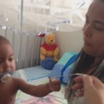 Por falta de catéter este bebe tiene 3 meses sin recibir hemodialisis.No hay en toda #Venezuela #CanalHumanitario YA https://t.co/FZ1UlWNtQ9