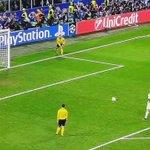 El l gol de penal de @Cristiano se corona campeón de fútbol en Europa, #HalaMadrid https://t.co/IMjPjcPwGu