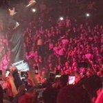 Chris Brown il a sorti le drapeau Algérien à son concert. .. #OneHellOfANiteTour https://t.co/mRWvdCgpst