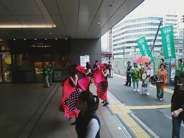 ちんどんROUGEの、大塚駅前レビュー。 #tokyorouge #おおつか音楽祭2016 https://t.co/EOAXXOemXL