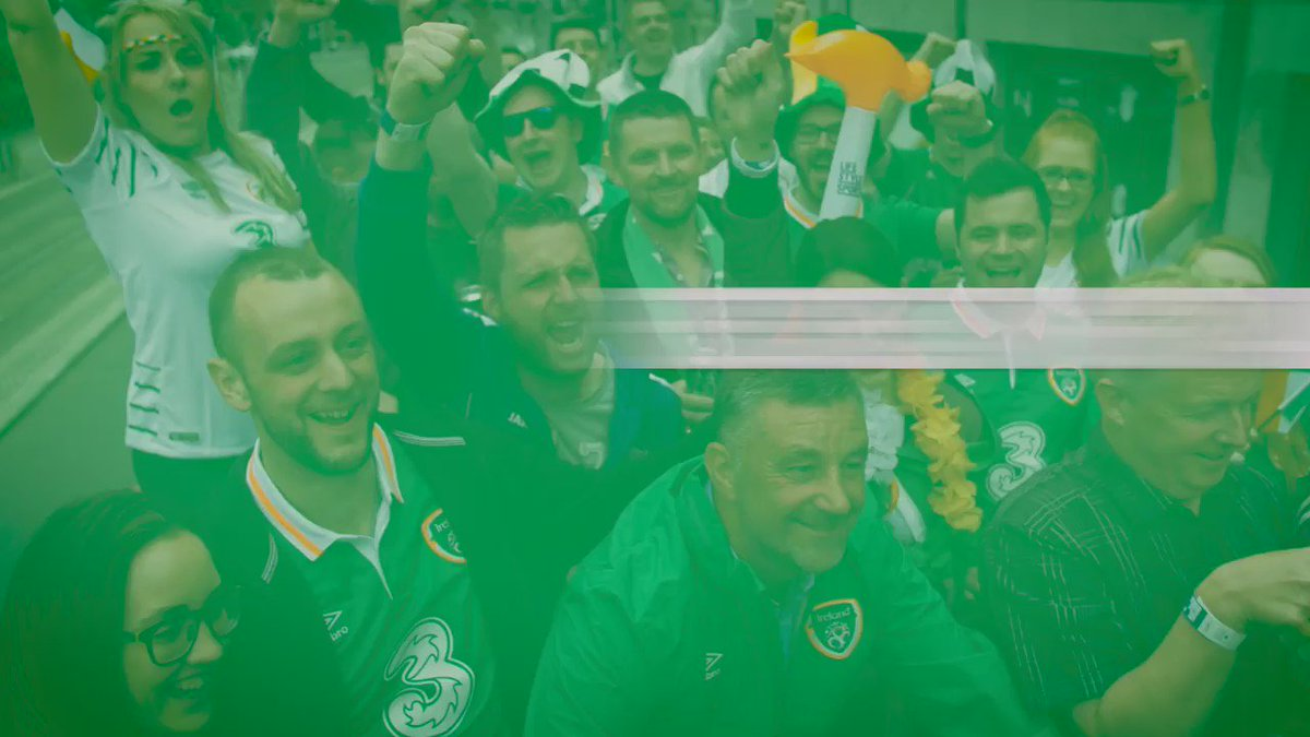 We had a blast on the Open Top Supporters' Bus! @UmbroIreland #FootbALLorNothing https://t.co/vyJ47o9zFd