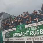 Fields of Athenry from Connacht Rugby in Eyre Square. #ConnachtAbú https://t.co/rLEJHqsHWN