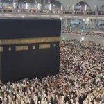 Suasana di Makkah.  Ya Allah, berikanlah aku, keluargaku dan rakan-rakanku peluang ke Makkah untuk beribadah.  Amin😭 https://t.co/j6GtE4vAJ5