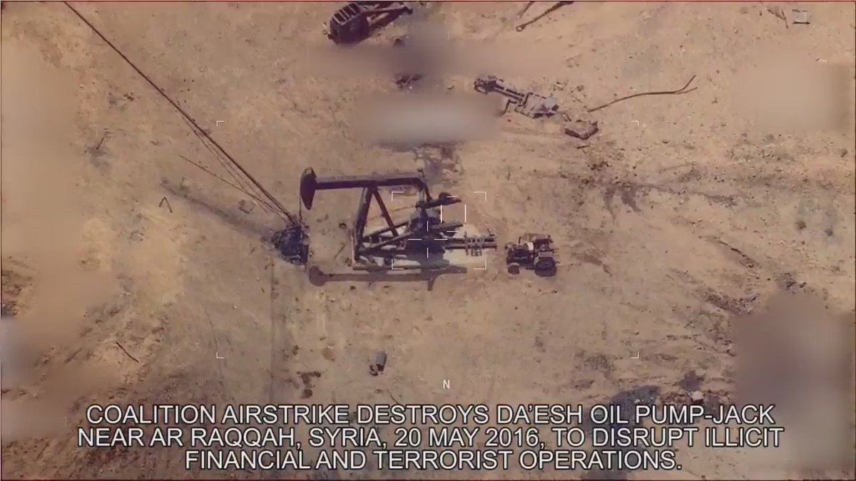 Coalition airstrike destroys #Daesh oil pump-jack near Ar Raqqah #Syria See: https://t.co/aeO0RVLe37 https://t.co/ynqaDKhwkJ
