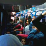 Bus con exceso de pasajeros, el cobrador dice que está vacío. #QUITO @AMTQuito https://t.co/M6DzQyBepK