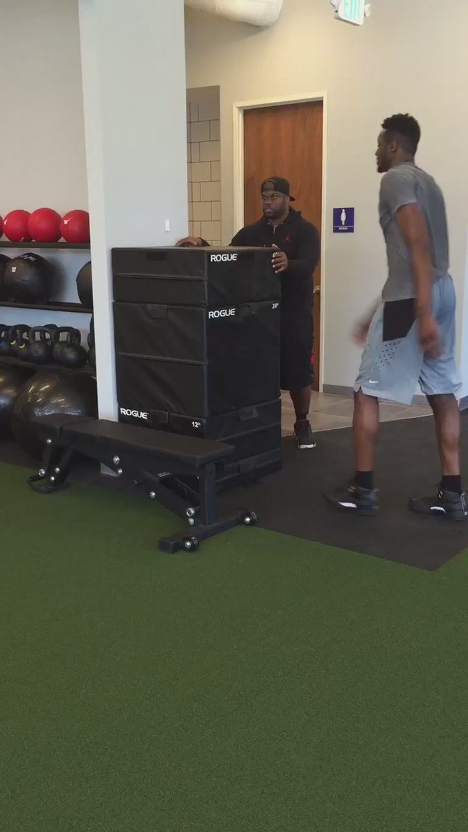 """54"""" box jump for @JeramiGrant after a tough lower body workout today... #TheSeasonFavorsThePrepared https://t.co/ZkmYKSKpmM"""