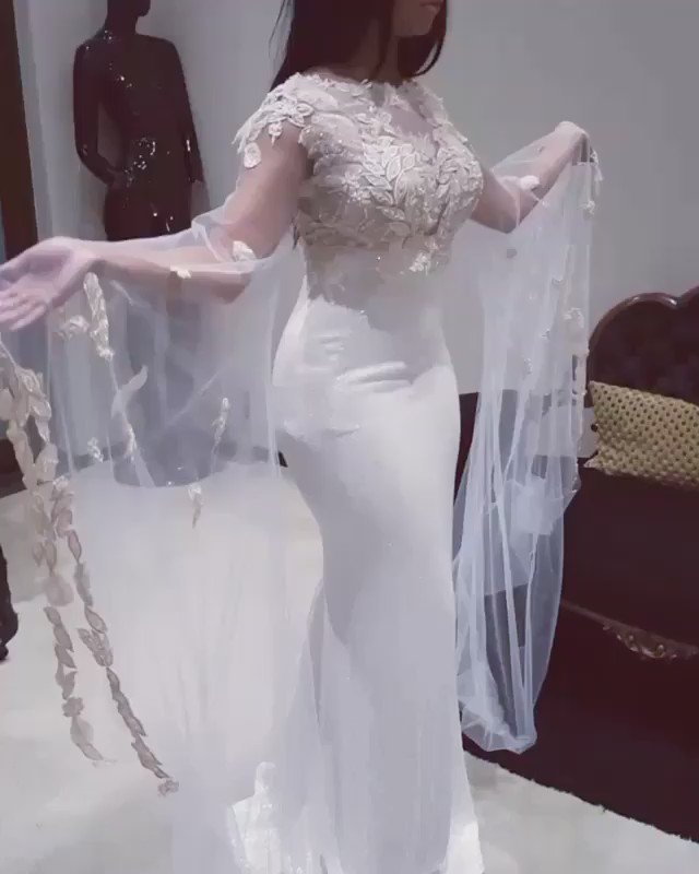 To die for! Cav' @MinnieDlamini's smashing gown for the #SAMA22 https://t.co/XHZZpptVuW