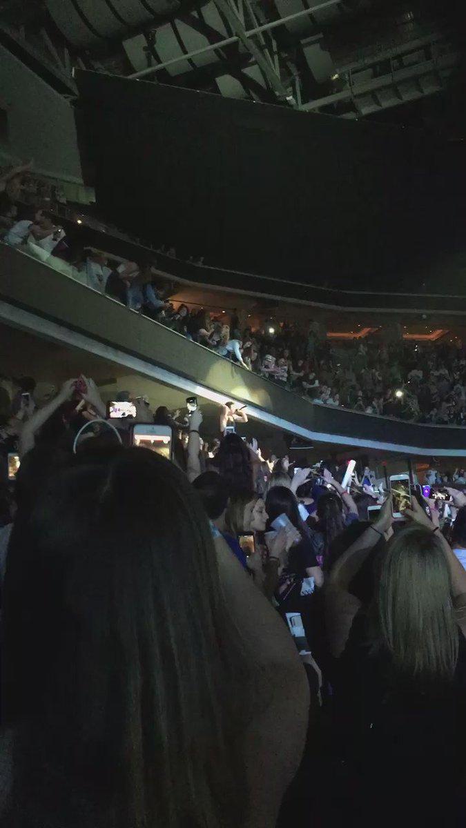 #DNCE #SELENAGOMEZ REVIVAL TOUR https://t.co/IVQDzh6Whf