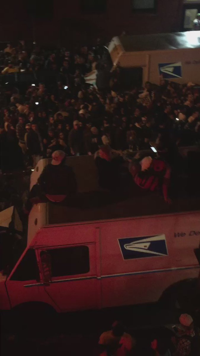 Kanye's 2am concert got my street like: https://t.co/S4Z307Yrba