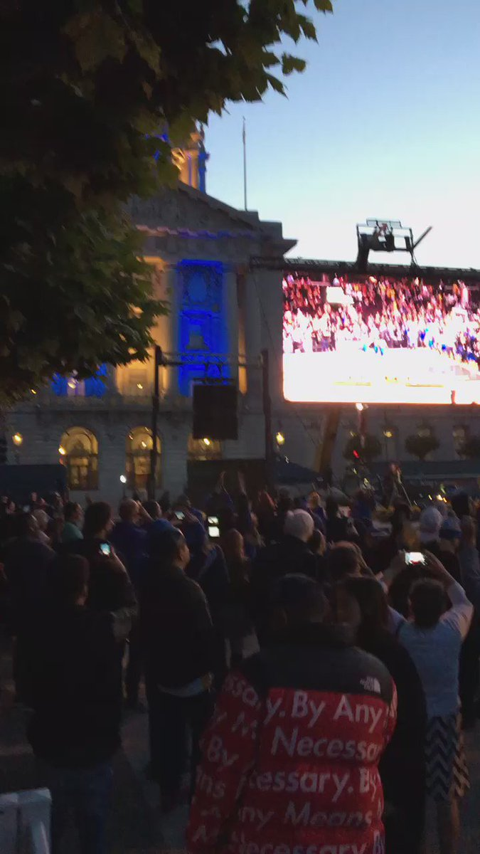 Celebrating @warriors win at Civic Center Plaza!!! Thanks #DubNation 4 showing up 4 the screening in big numbers!!! https://t.co/sGMqE0tjR6