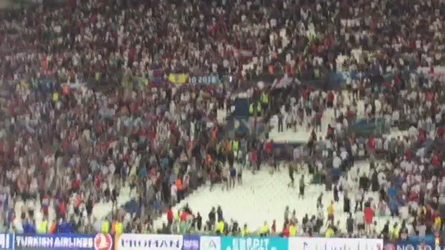 Shocking scenes inside the Stade Vélodrome as #RUS fans stormed #ENG fans inside the stadium! https://t.co/5H3w3jWOte