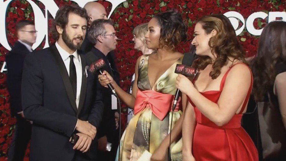 .@joshgroban short clip on the red carpet @TheTonyAwards https://t.co/XzTbd5mP3Q