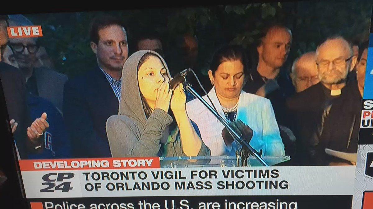 Surah al Fatiha recited at Toronto vigil for victims of #OrlandoNightclubShooting: https://t.co/XGa0QtY9ls