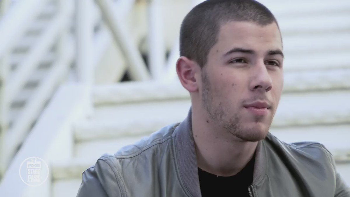Want to know more about @NickJonas? Check out his rapid-fire interview. #AXEStagePass https://t.co/EF38nMDGdp https://t.co/KsBKiBEBsQ